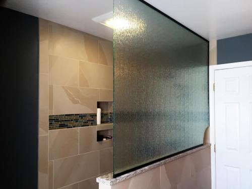 Rain splash panel